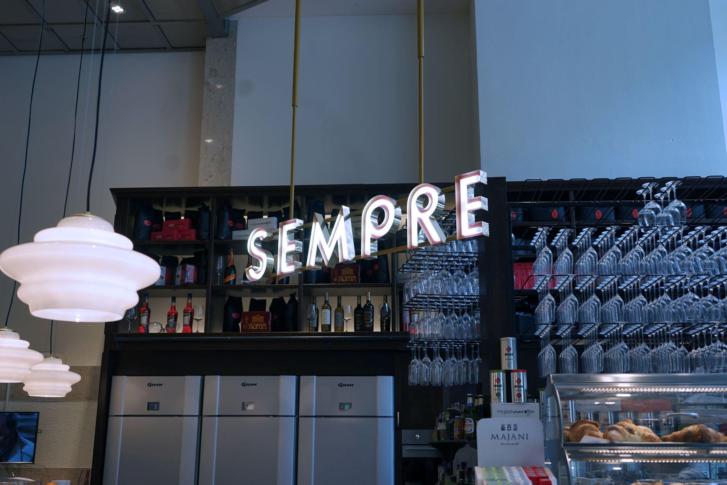 sempre-espresso-bar-skylt